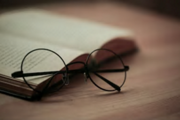 Harry-Potter-book-glasses