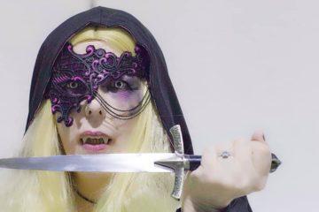 Cristina-Avril-Giusti-Original-Cosplay-Vampire-3