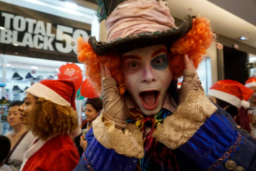mad-hatter-christmas-cosplay