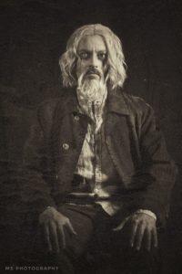 Louis-Guglielmero-Grindelwald-4