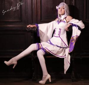 Chiyako-Cosplay-Emilia-Re-Zero-7