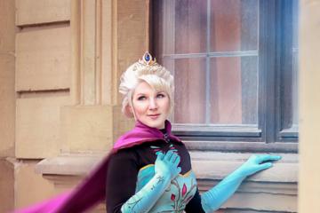 Serakirah Cosplay Elsa Frozen